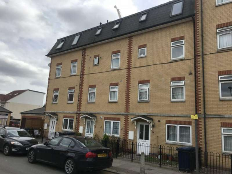 3 Bedrooms Flat for sale in Rookery Close, Colindale, NW9