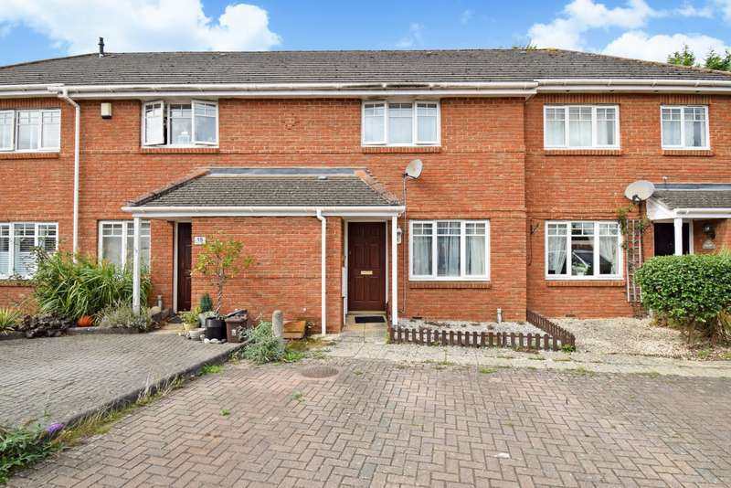 3 Bedrooms Terraced House for sale in Willow Wood Close, Burnham, SL1