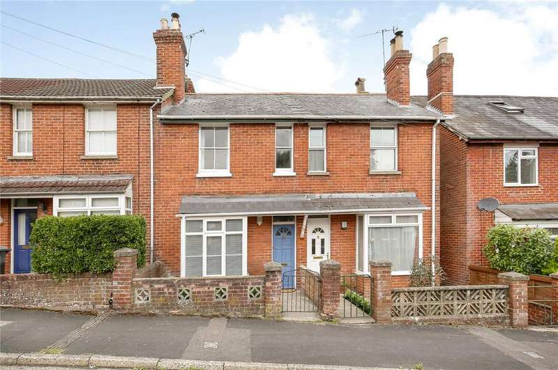 3 Bedrooms Terraced House for sale in Nelson Road, Hampshire, Winchester, Hampshire, SO23