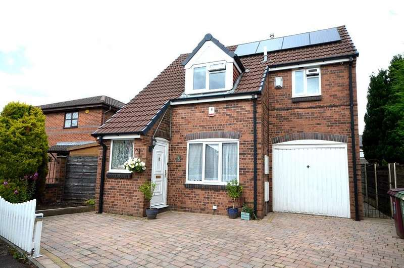 3 Bedrooms Detached House for sale in Greensmith Way, Westhoughton BL5