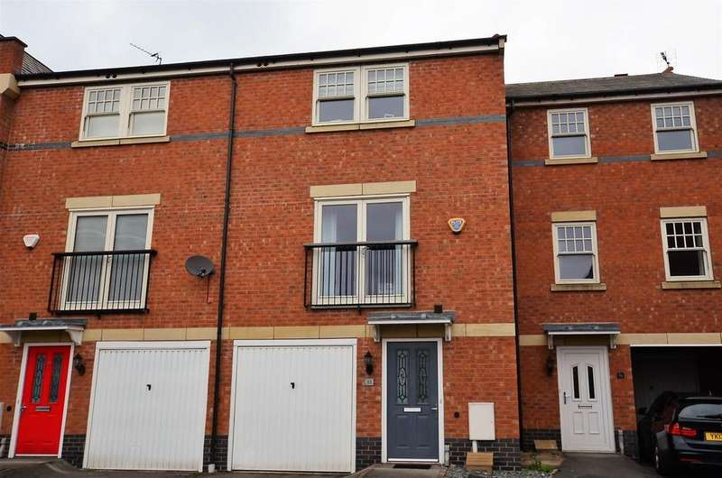4 Bedrooms Terraced House for sale in Auriga Court, Chester Green, Derby
