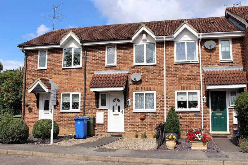 2 Bedrooms Terraced House for sale in Statham Court, Amen Corner RG42