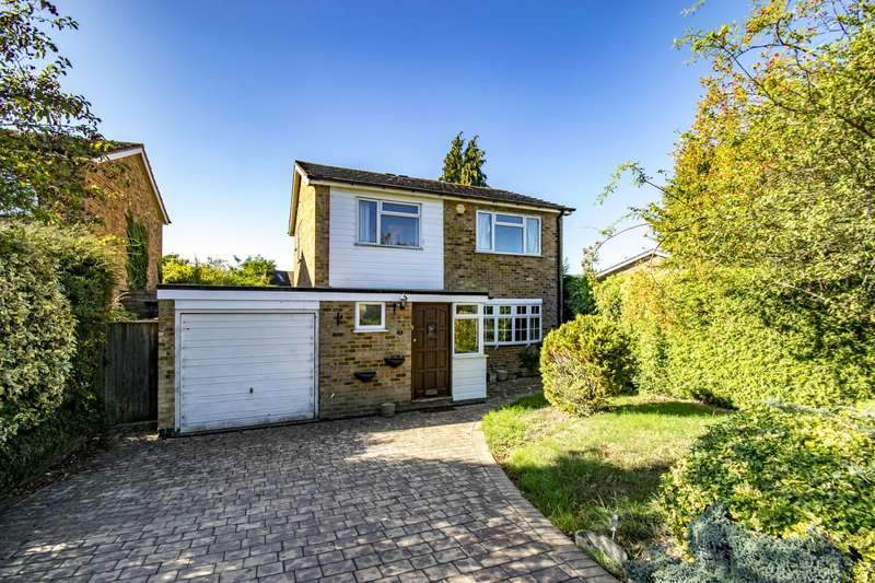 3 Bedrooms Detached House for sale in Valley Close, Goring on Thames, RG8