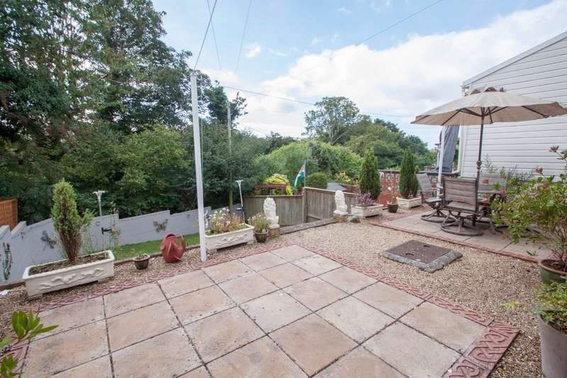 2 Bedrooms Semi Detached House for sale in Southway, Plymouth