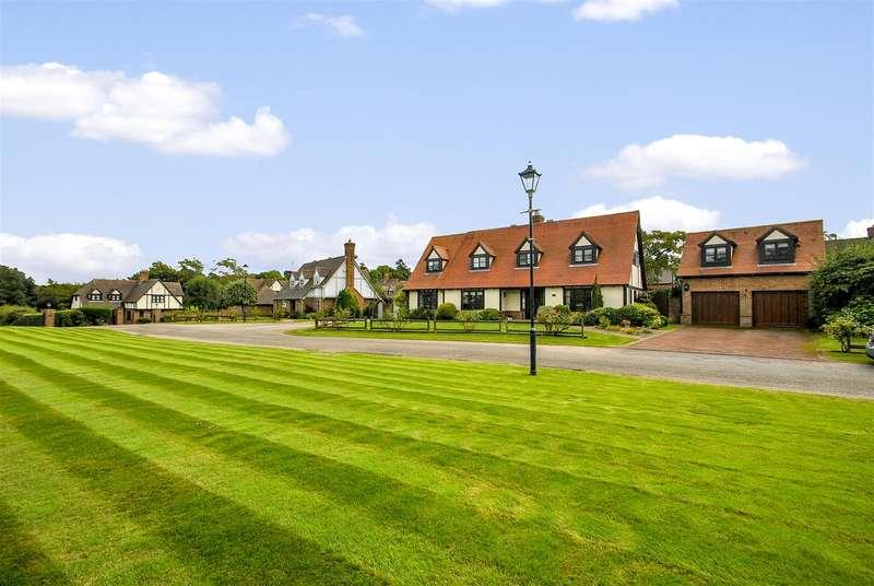 5 Bedrooms Detached House for sale in Field Lane, APPLETON, Warrington, WA4