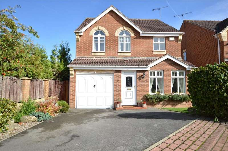 4 Bedrooms Detached House for sale in Winders Dale, Morley, Leeds