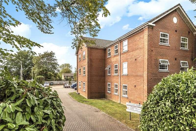 2 Bedrooms Apartment Flat for sale in Grosvenor Court, Montfort Close, Romsey, Hampshire, SO51
