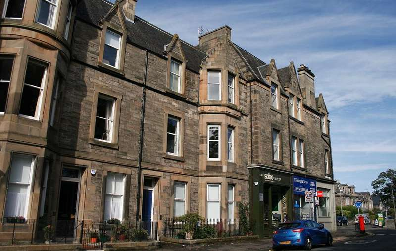 2 Bedrooms Flat for sale in 20/3 Craighall Road, Trinity, Edinburgh EH6 4SA