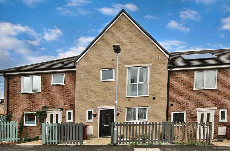 3 Bedrooms Town House for sale in Leven Street, Reading