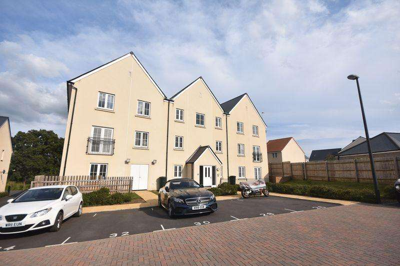 2 Bedrooms Apartment Flat for sale in Larch Close Lyde Green
