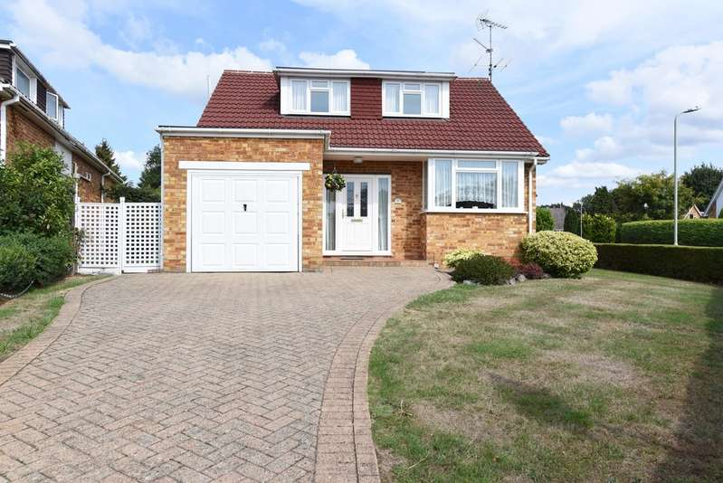 3 Bedrooms Detached House for sale in Windmill Avenue, Wokingham RG41