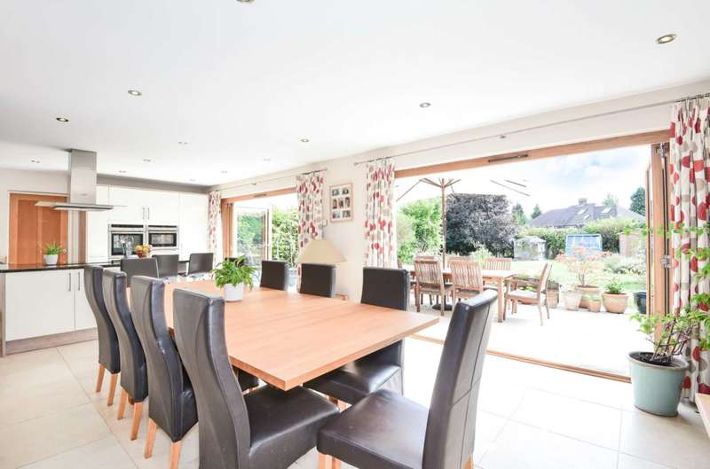 5 Bedrooms Detached House for sale in Elm Road, Earley, Reading