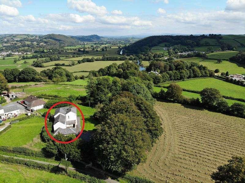 5 Bedrooms Detached House for sale in Llangunnor, Carmarthen