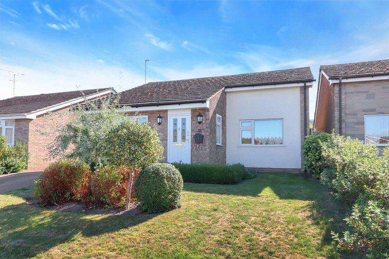 4 Bedrooms Detached Bungalow for sale in Aston Clinton