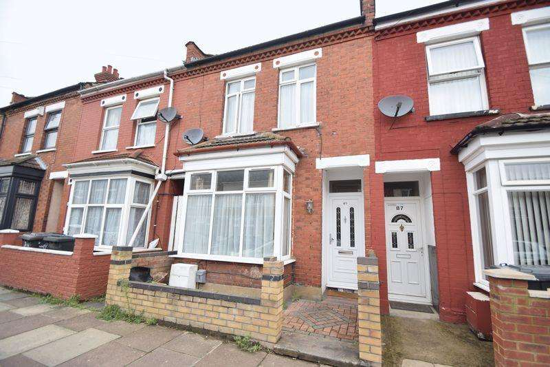 3 Bedrooms Terraced House for sale in Norman Road, Luton