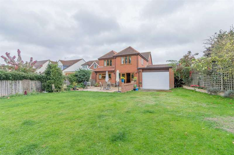 5 Bedrooms Detached House for sale in The Briars, Nursery Road, Nazeing