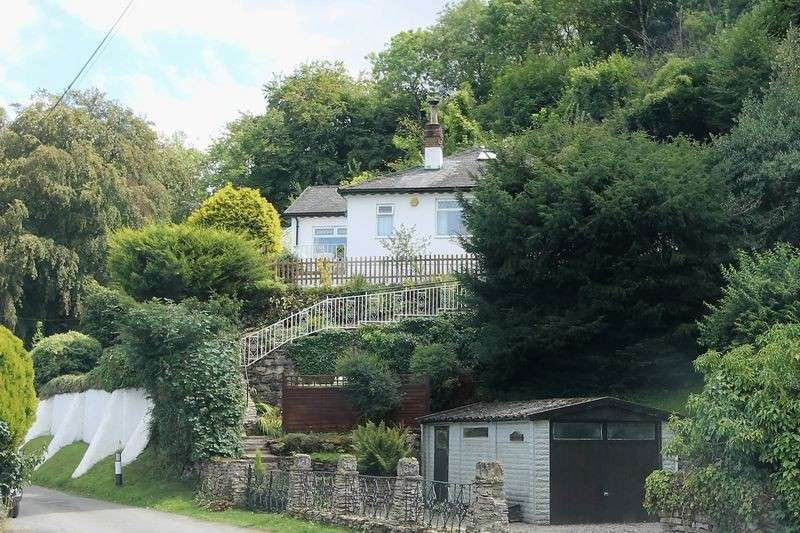 3 Bedrooms Property for sale in Coopers Hill, Gloucester