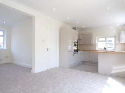 3 Bedrooms Semi Detached House for sale in Kingsway, Didsbury, Manchester