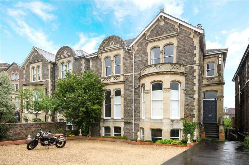 2 Bedrooms Flat for sale in Upper Belgrave Road, Bristol, BS8