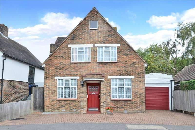3 Bedrooms Detached House for sale in Tudor Close, Cheam, Sutton, SM3
