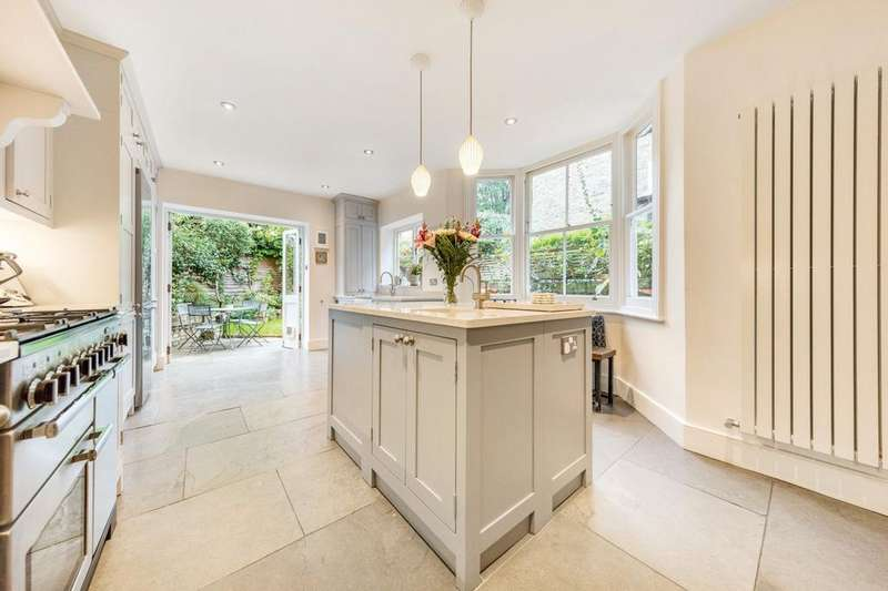 5 Bedrooms Terraced House for sale in Leander Road, Brixton, London SW2