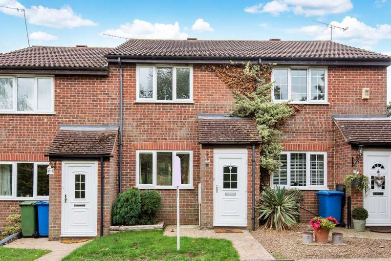 2 Bedrooms House for sale in Cross Gates Close, Bracknell, RG12