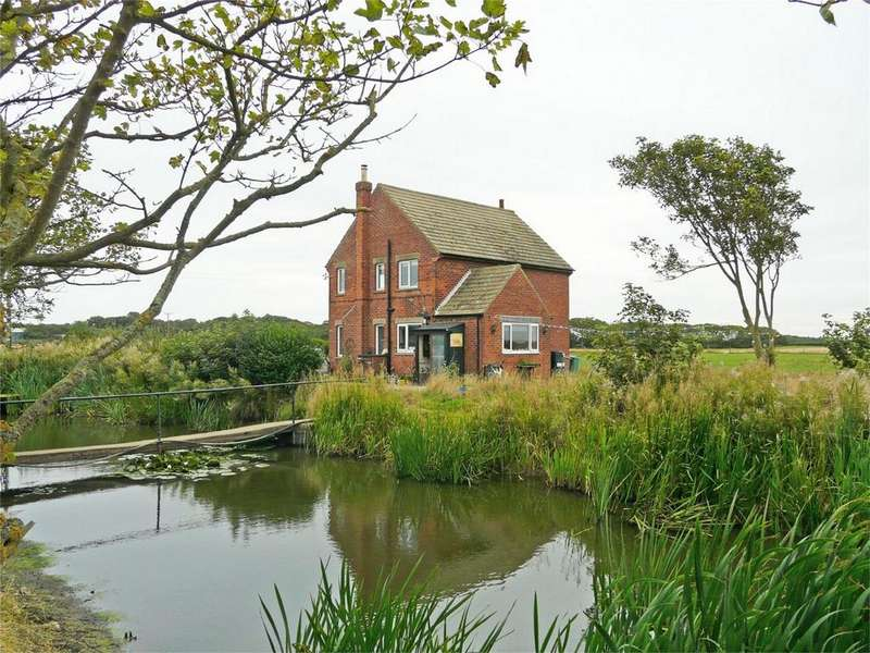 3 Bedrooms Detached House for sale in Grimston, Hull, East Riding of Yorkshire