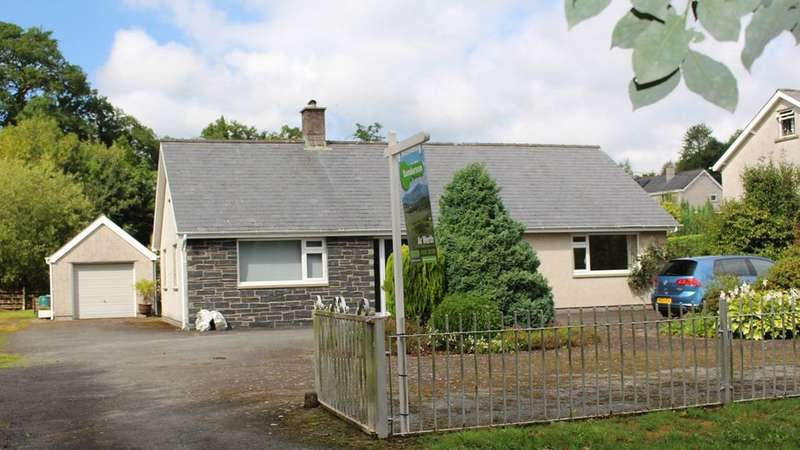 3 Bedrooms Bungalow for sale in Dolgellau, LL40