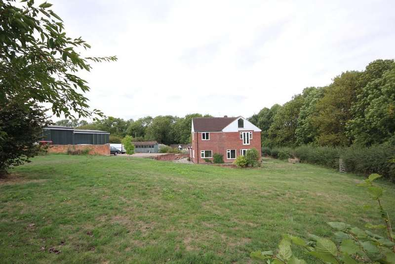 4 Bedrooms Detached House for sale in West End Farm, Keyham