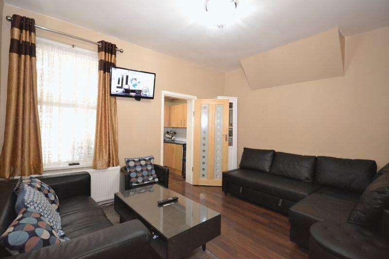 2 Bedrooms Apartment Flat for sale in Colchester Avenue, London