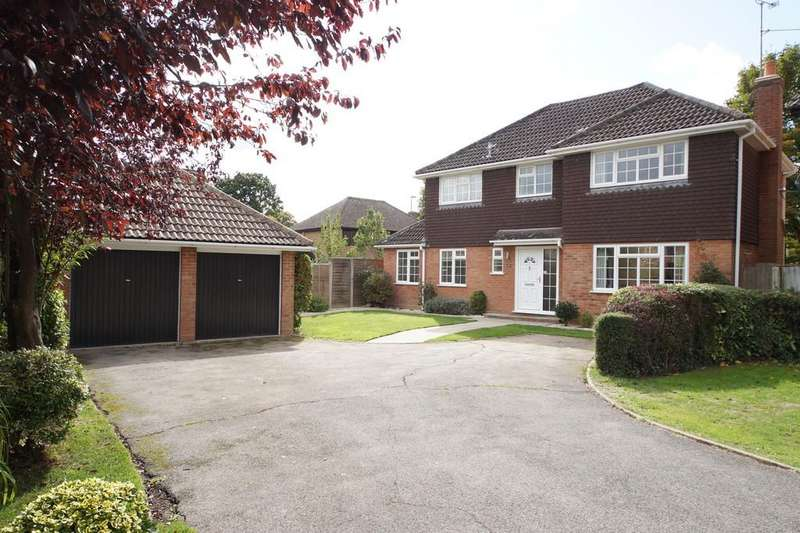 4 Bedrooms Detached House for sale in Squarefield Gardens, Hook