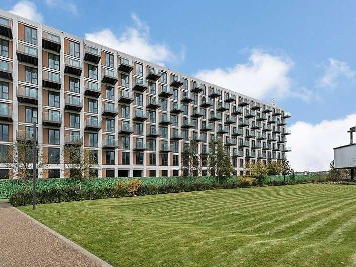 1 Bedroom Flat for sale in Royal Wharf, E16