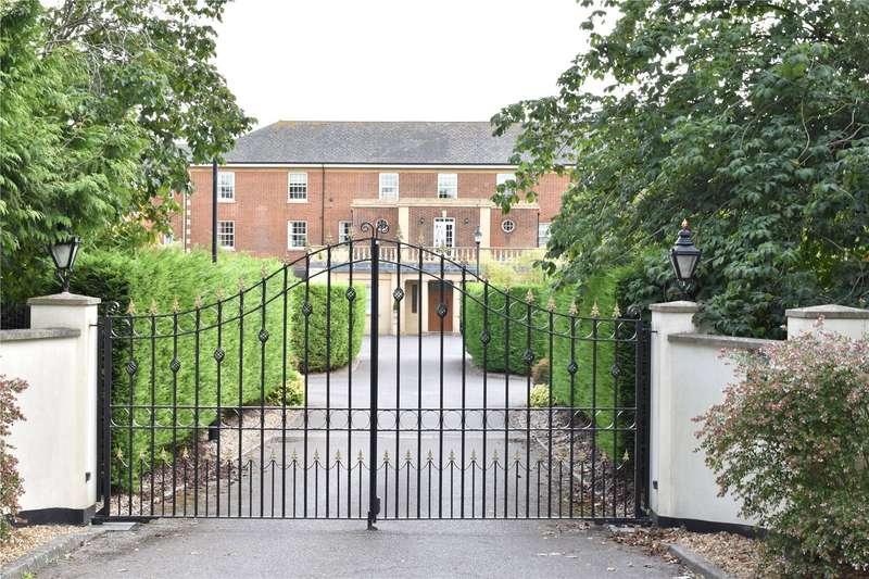 4 Bedrooms Terraced House for sale in Throgmorton Hall, Portway, Old Sarum, Salisbury, SP4