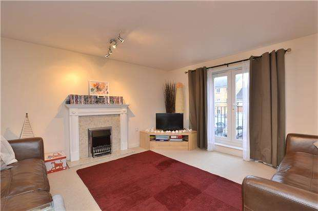 2 Bedrooms Flat for sale in Thackeray, Horfield, Bristol, BS7 0NX