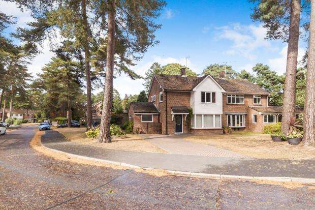3 Bedrooms Semi Detached House for sale in Bracknell, Berkshire, .
