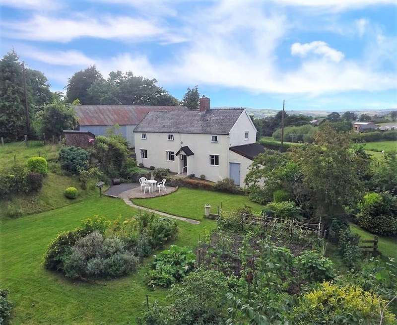 3 Bedrooms Farm Commercial for sale in Dolfor, Newtown, Powys