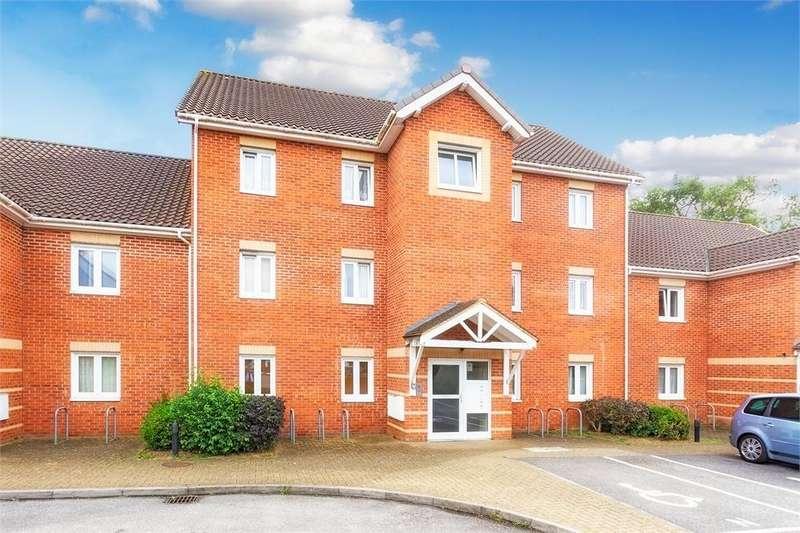 2 Bedrooms Flat for sale in Venus Close, Slough, Berkshire