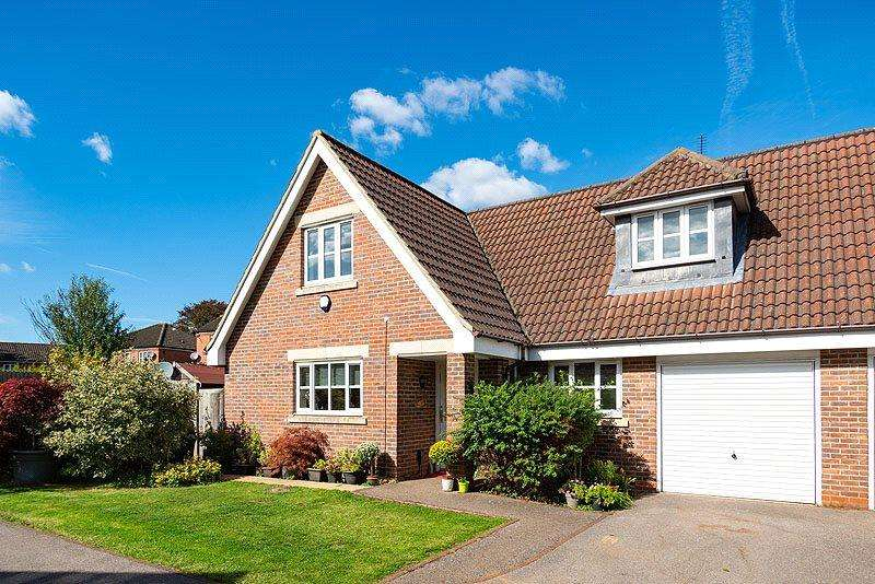 4 Bedrooms Semi Detached House for sale in Sovereign Park, St. Albans, Hertfordshire