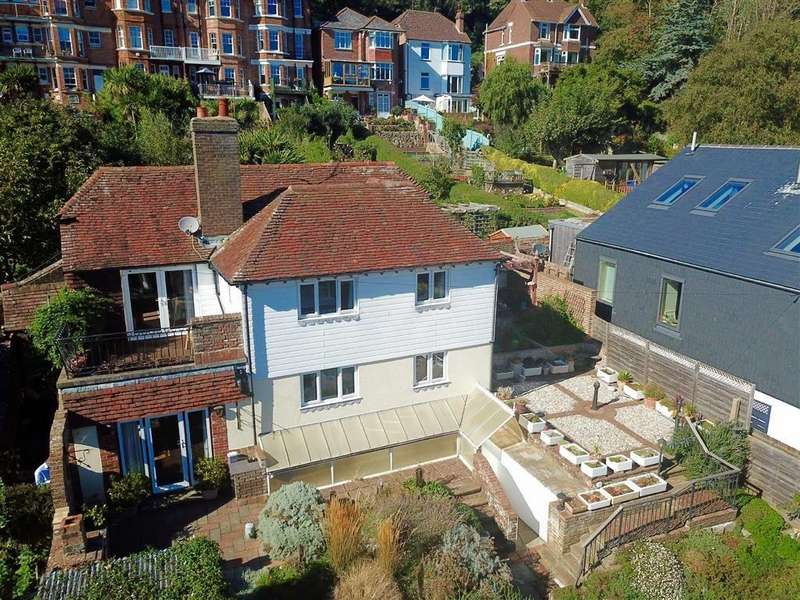 3 Bedrooms Detached House for sale in The Croft, Hastings