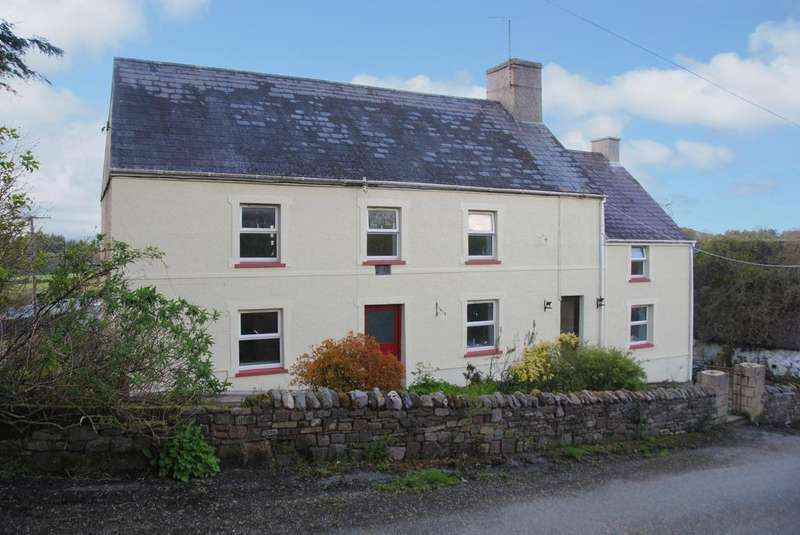 3 Bedrooms Detached House for sale in Llangadog CARMARTHENSHIRE