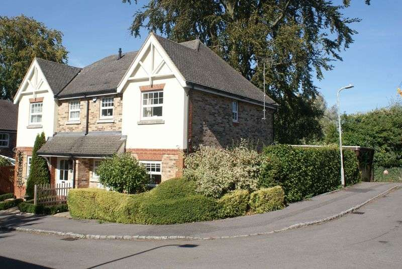 3 Bedrooms Property for sale in Russett Gardens, Ruscombe
