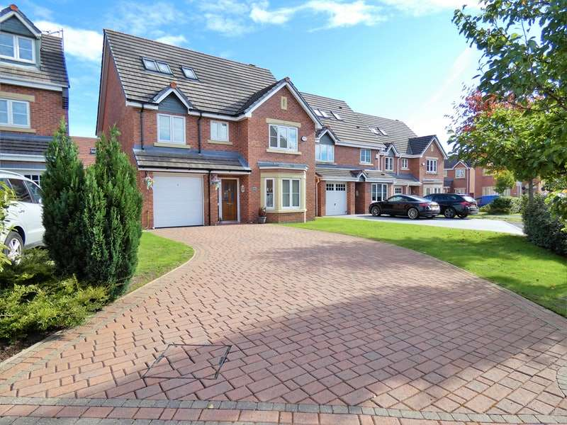 5 Bedrooms Detached House for sale in Snowberry Crescent, Warrington, Cheshire, WA5