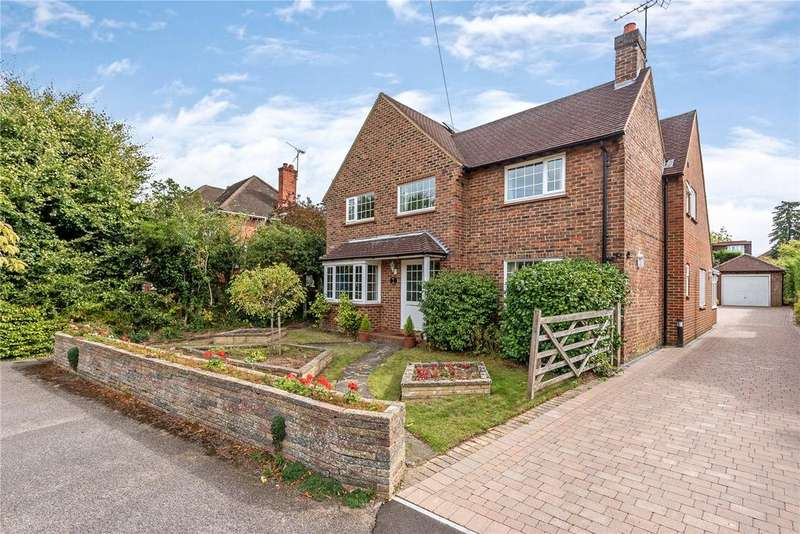 4 Bedrooms Detached House for sale in Longley Road, Farnham, Surrey, GU9
