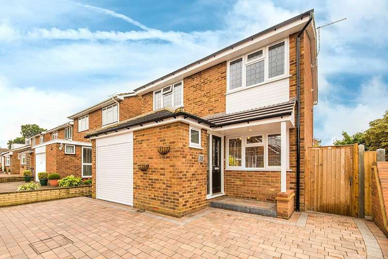 3 Bedrooms Detached House for sale in The Larches, Ware