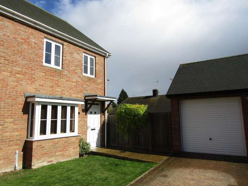 3 Bedrooms Semi Detached House for sale in Little Close, Arlesey, SG15 6AB