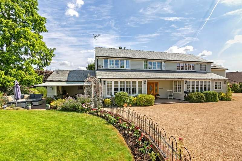 6 Bedrooms Detached House for sale in The Meadow, Hunsdon