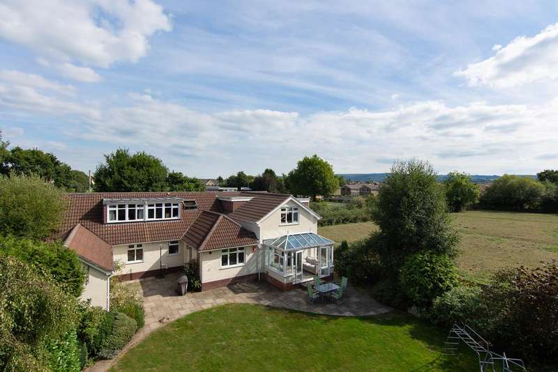 5 Bedrooms Detached House for sale in Great spot in Congresbury village