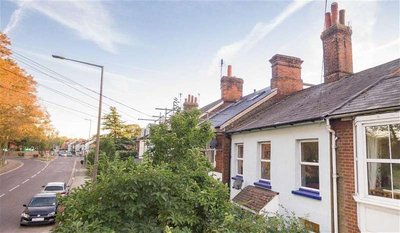 3 Bedrooms Terraced House for sale in Bedford Road, Hitchin, SG5