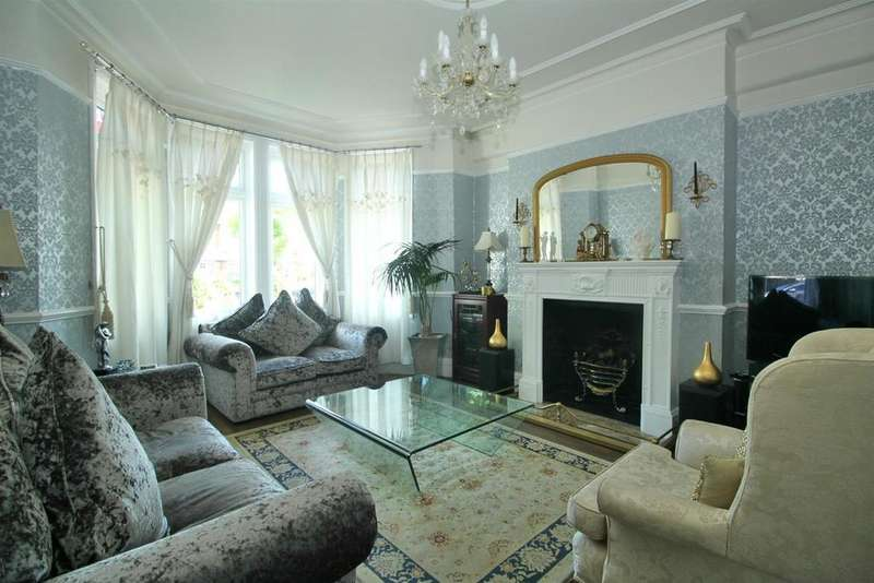 3 Bedrooms Terraced House for sale in Firs Lane, London