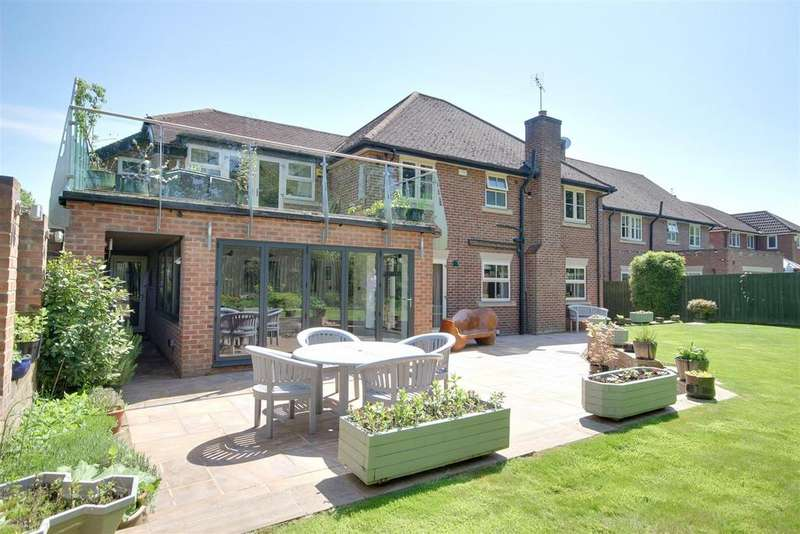 5 Bedrooms Detached House for sale in Collier Close, North Ferriby